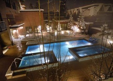 limelight lodge aspen pool